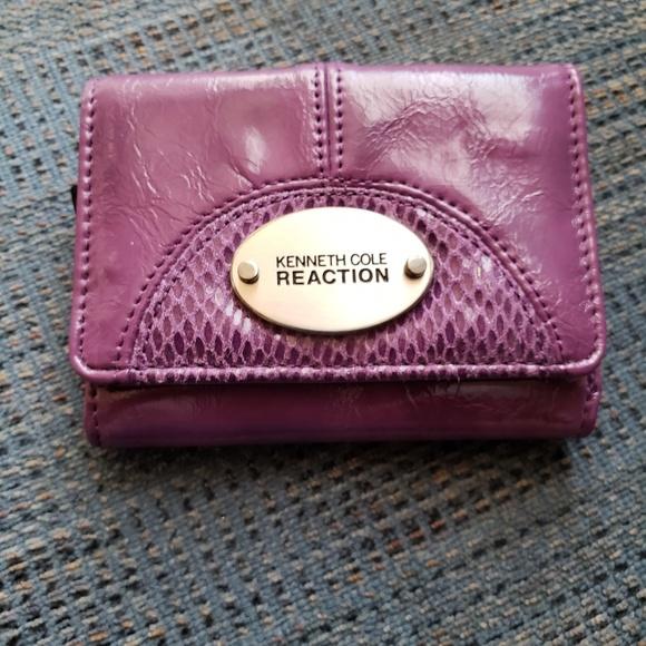 Kenneth Cole Handbags - Kenneth Cole wallet